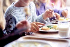 """Σχετικά με την  """"επίβλεψη σχολικών γευμάτων"""" από τους εκπαιδευτικούς"""
