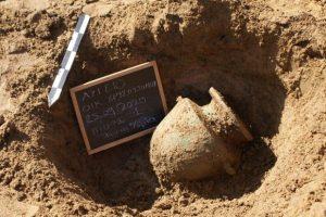 Οκτώ τάφοι αποκαλύφθηκαν σε ανασκαφική έρευνα στην Ηλεία