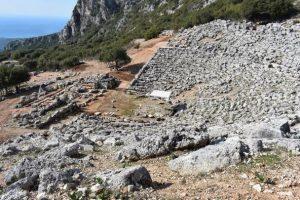 Megaron Online - Παραμερίζοντας το πέπλο του χρόνου: Αρχαίο θέατρο Κασσώπης