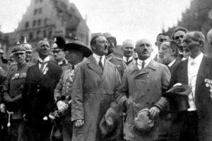 «Το πραξικόπημα της Μπυραρίας» της Αντιγόνης Καρύτσα