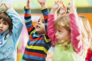 «Τραγουδάμε μαζί;» ένα μουσικό ταξίδι για παιδιά στη βιβλιοθήκη Χαριλάου