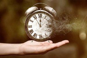 «Υπαρξιακές Αγωνίες: Ο χρόνος που περνάει...» του Ψυχολόγου Γιάννη Ξηντάρα
